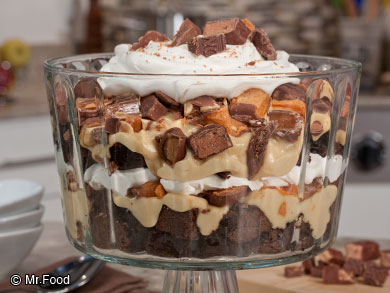 Candy-Bar-Brownie-Trifle-OR