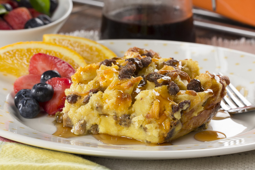 Mar 02, · Make Ahead Sausage and Egg Breakfast Casserole one of my go-to easy breakfast recipes! This sausage and egg breakfast casserole is one of my families favorites to make for Sunday brunch and holidays. I absolutely love this breakfast casserole. This is such a versatile dish that can be adapted to fit your thatgethz.gae: American.