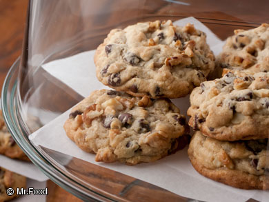 Famous-Hotel-Chocolate-Chip-Cookies-OR